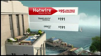 Hotwire TV Spot, 'Low Rates Chicago And Los Angeles Trips' - Thumbnail 6