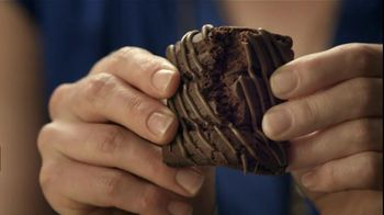 Fiber One 90 Calorie Chocolate Fudge Brownies TV Spot, 'Diner' - Thumbnail 6