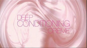 L'Oreal Healthy Look Creme Gloss Color TV Spot, 'Incredibly Glossy' Featuring Freida Pinto - Thumbnail 5