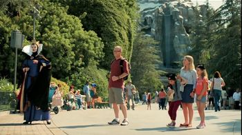 Verizon Disney Mobile Magic TV Spot, 'Snow White' - Thumbnail 8