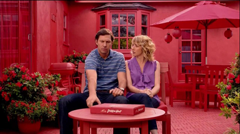 Pizza Hut Garlic Bread Pizza TV Spot, 'Phone' - Thumbnail 4
