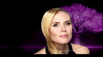 Clear Hair Care TV Spot, 'Wrong End of Hair' Featuring Heidi Klum - Thumbnail 8