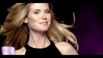 Clear Hair Care TV Spot, 'Wrong End of Hair' Featuring Heidi Klum - Thumbnail 5