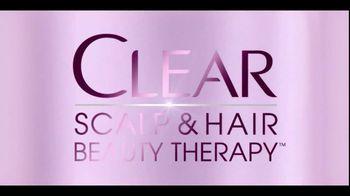 Clear Hair Care TV Spot, 'Wrong End of Hair' Featuring Heidi Klum - Thumbnail 6