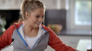 Bounty TV Spot For Bounty Paper Towels Featuring Shawn Johnson - Thumbnail 4