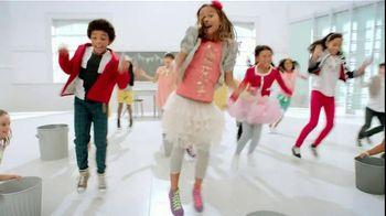 Kleenex TV Spot For Sneeze Shield Dance