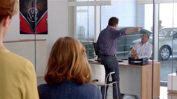 Volkswagen TV Spot, 'Baseball Disagreement: 0% APR' - Thumbnail 1