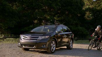 Toyota Venza TV Spot, 'Facebook Friends' - Thumbnail 7