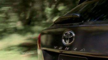 Toyota Venza TV Spot, 'Facebook Friends' - Thumbnail 2