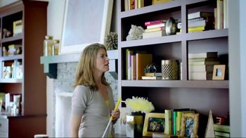 Swiffer 360 Duster Extender TV Spot, 'Book' - Thumbnail 2