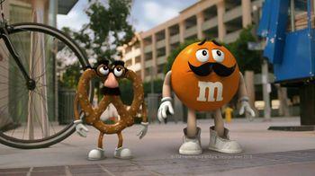 Pretzel M&M's TV Spot, 'Disguises' - Thumbnail 2
