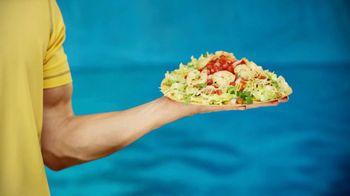 Taco Del Mar Shrimp Tostada TV Spot, 'Bullhorn' - Thumbnail 2