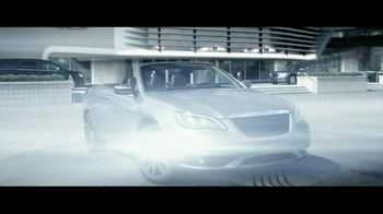 2012 Chrysler 200 Convertible TV Spot, 'Total Recall' - Thumbnail 8