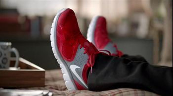 Famous Footwear TV Spot 'Amazing Mom'