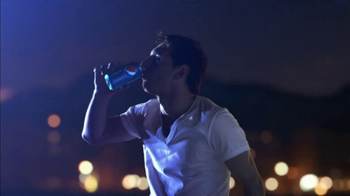 Pepsi TV Spot Featuring Soccer Players and Calvin Harris - Thumbnail 8