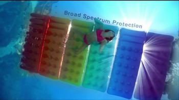 Coppertone TV Spot For Wet'n Clear Sunscreen - Thumbnail 6