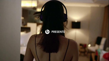 Beats Solo2 TV Spot, 'Solo Selfie' Song by Axwell Ingrosso - Thumbnail 1
