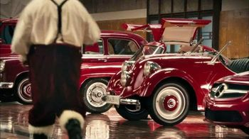 Mercedes-Benz TV Spot, 'Santa's Garage' - Thumbnail 2