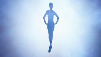 Thierry Mugler Angel TV Spot, 'The New Film' Song by Bat for Lashes - Thumbnail 2