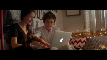 Best Buy TV Spot, 'Holiday Best Wishes: Apple' - Thumbnail 5