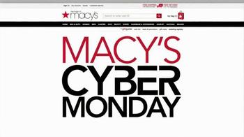 Macy's Cyber Monday Sale TV Spot, 'Winter Wardrobe' - Thumbnail 2