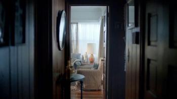 AARP Services, Inc. TV Spot, 'Caregiver Assistance: Bath' [Spanish] - Thumbnail 5