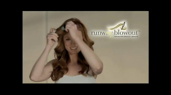 Runway Blowout Brush TV Spot, 'Volume, Bounce and Shine' - Thumbnail 2