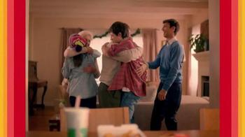 McDonald's Chicken McNuggets TV Spot, 'Abrazar a Familia' [Spanish] - Thumbnail 8