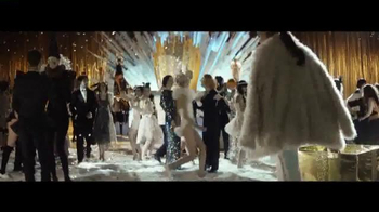 H&M TV Spot, 'Magical Holidays' Featuring Lady Gaga, Tony Bennett - Thumbnail 4