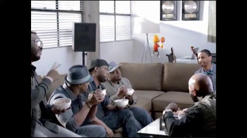 Cheerios TV Spot, 'Sweet Improv' Featuring Naturally 7 - Thumbnail 10