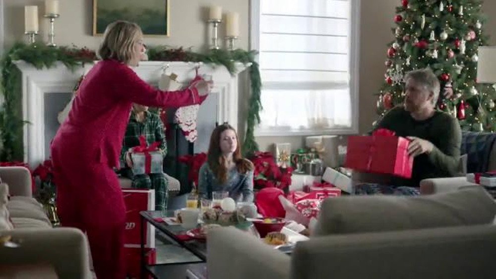 Verizon Christmas Commercial 2019 Verizon TV Commercial, 'The Good More'   iSpot.tv