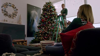 Samsung TV Spot, 'Home for the Holidays' Featuring Kristen Bell - Thumbnail 7