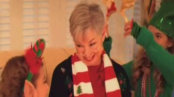 Party City TV Spot, 'A Little Bit of Christmas in My Life' - Thumbnail 6