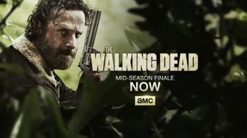 Microsoft Surface TV Spot, 'The Walking Dead: Holiday Shopping' - Thumbnail 10