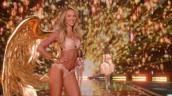 Victoria's Secret TV Spot, '2014 Fashion Show' - Thumbnail 10