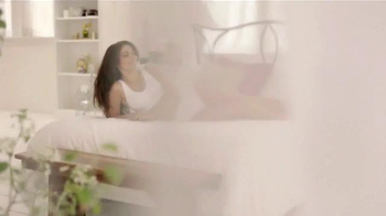 Genie Bra TV Spot, 'Feel Like You're Staying in Bed All Day' [Spanish] - Thumbnail 2