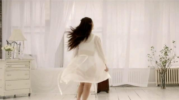 Genie Bra TV Spot, 'Feel Like You're Staying in Bed All Day' [Spanish] - Thumbnail 3