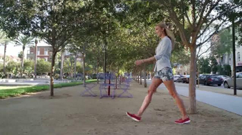 Skechers Go Walk TV Spot, Letra por Rizzle Kicks [Spanish] - Thumbnail 5