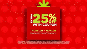 JCPenney Friends & Family Sale TV Spot, 'Doorbusters This Winter' - Thumbnail 3