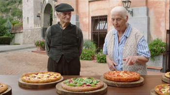 Pizza Hut TV Spot, 'The Villagers' - Thumbnail 8