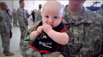USAA Salute to Service TV Spot, 'Base Visits' - Thumbnail 9