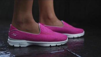 Skechers Go Walk 3 TV Spot, 'Innovation Never Felt This Good' - Thumbnail 2