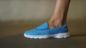 Skechers Go Walk 3 TV Spot, 'Innovation Never Felt This Good' - Thumbnail 5