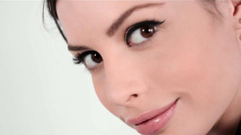 Maybelline New York Fit Me Matte + Poreless Foundation TV Spot [Spanish] - Thumbnail 8