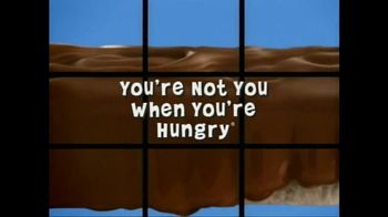 Snickers Super Bowl 2015 TV Spot, 'The Brady Bunch' Featuring Danny Trejo - Thumbnail 10