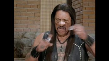 Snickers Super Bowl 2015 TV Spot, 'The Brady Bunch' Featuring Danny Trejo - Thumbnail 7