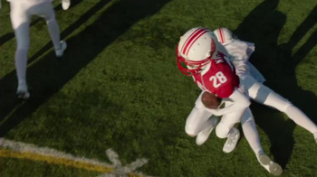 Victoria's Secret Super Bowl 2015 Preview TV Spot, 'Angels Play Football' - Thumbnail 5