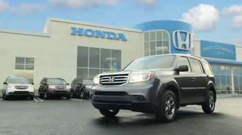 2015 Honda Pilot TV Spot, 'Pilot Clearance Event: Tuesday Test' - Thumbnail 7