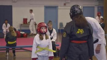 Booking.com TV Spot, 'Karate' - Thumbnail 3