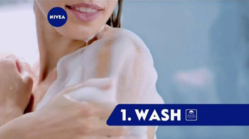 Nivea In-Shower Body Lotion TV Spot, \'Conveniently Moisturize\'